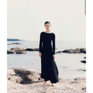 ラヴィジュール(Ravijour)の完売品Junko Kato × Ravijourバックレス ロングスリーブドレス(ロングワンピース/マキシワンピース)