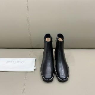 ジミーチュウ(JIMMY CHOO)の2020ss JIMMY クリスタルダイヤのまわりの太い足首ブーツ(ブーツ)