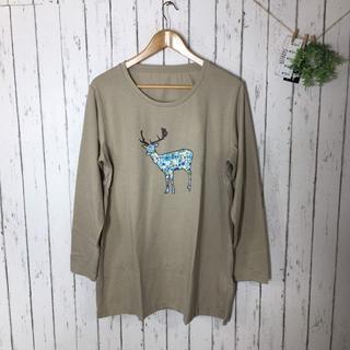 新品3L 大きいサイズ トナカイプリントカットソー ベージュ(Tシャツ(長袖/七分))