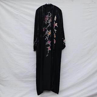アメリヴィンテージ(Ameri VINTAGE)のVintage Silk embroidered gown(ガウンコート)