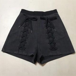 ハニーミーハニー ブラック編み上げショートパンツ
