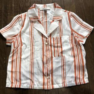 フォーエバートゥエンティーワン(FOREVER 21)のForever21 シャツ(シャツ/ブラウス(半袖/袖なし))
