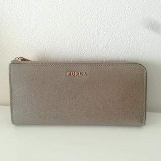 フルラ(Furla)の美品 FURLA フルラ L型ファスナー グレージュ 長財布 (財布)