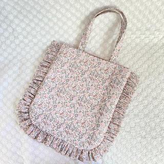 ミナペルホネン(mina perhonen)のエマアンドジョージーナ フリルトートバッグ...♪*゚(バッグ)