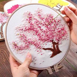 フェリシモ(FELISSIMO)の刺繍キット 桜の木(生地/糸)