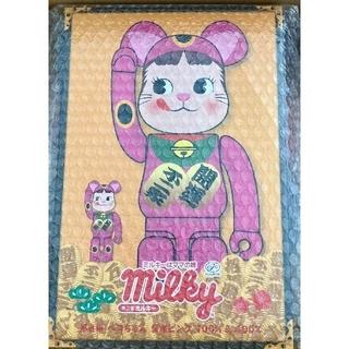 メディコムトイ(MEDICOM TOY)の不二家 BE@RBRICK 招き猫 ペコちゃん 蛍光ピンク 100%&400%(キャラクターグッズ)