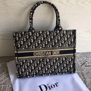 Christian Dior - クリスチャン ディオール ブックトートバッグ ネイビー