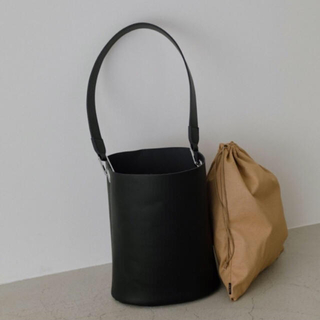 シェルターオリジナル(Shel'tter ORIGINAL)のRIM.ARK LEATHER BUCKET HOLD BAG(ショルダーバッグ)
