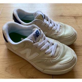 New Balance - 《送料無料》ニューバランス スニーカー KT300WHP ホワイト 17