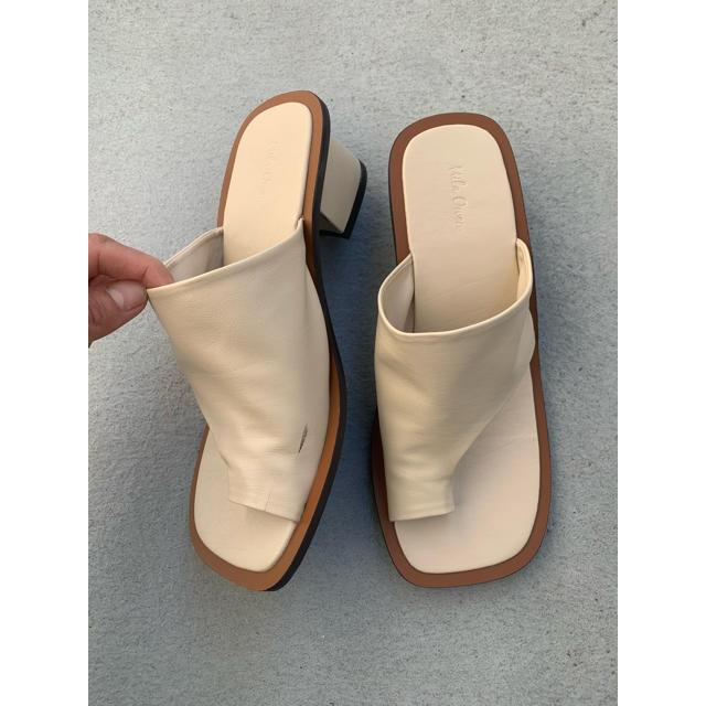 Mila Owen(ミラオーウェン)のミラオーウェン  ソフトトングサンダルベージュ レディースの靴/シューズ(サンダル)の商品写真