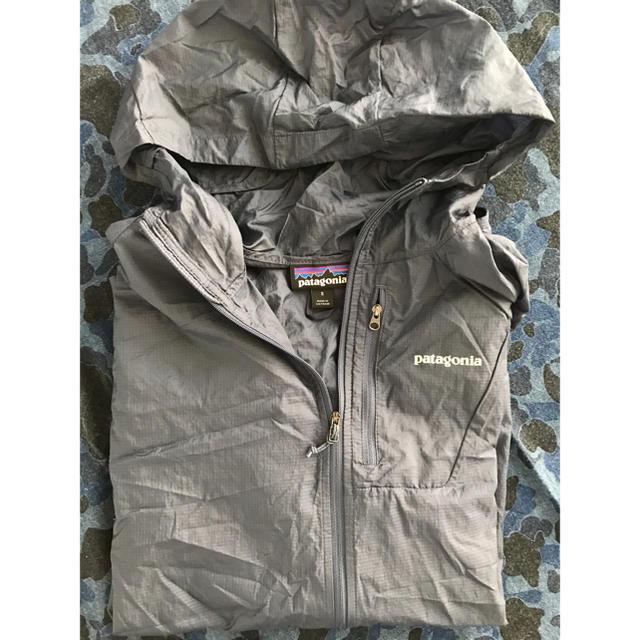 patagonia(パタゴニア)のパタゴニア  超軽量シェルフーディ ネービー メンズのジャケット/アウター(ナイロンジャケット)の商品写真