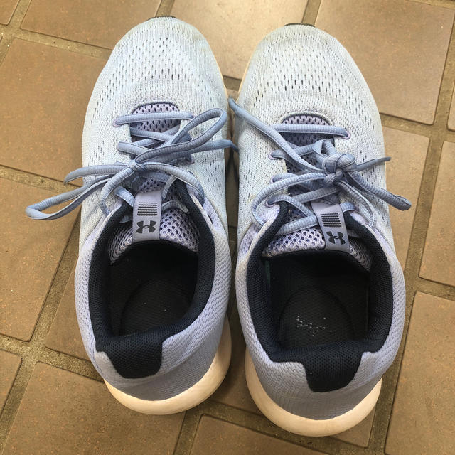 UNDER ARMOUR(アンダーアーマー)のアンダーアーマー スニーカー ブルー 水色 25cm メンズの靴/シューズ(スニーカー)の商品写真