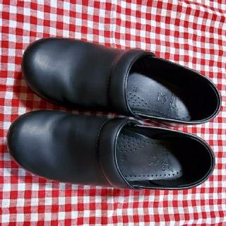ダンスコ(dansko)のダンスコ 39/黒(ローファー/革靴)