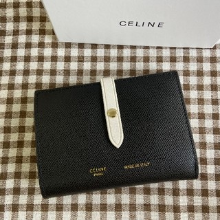 セリーヌ(celine)の送料込み  celineセリーヌ  二つたたみ  折り財布 小銭入れ(折り財布)