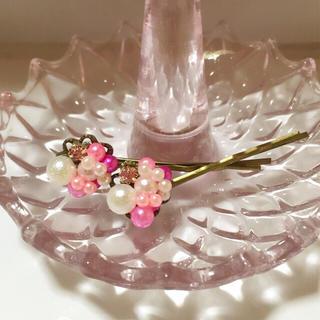 ☆sale☆桜色のキラキラヘアピン 2本セット(ヘアアクセサリー)