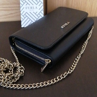 フルラ(Furla)の【フルラ・美品】FURLA お財布ショルダー ブラック(財布)