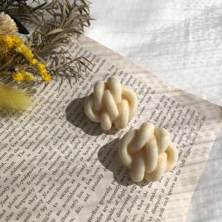 dholic - knit ivory