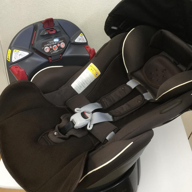 Aprica(アップリカ)の綺麗!アップリカ☆上級モデル フラディア エアー プラス Air Plus キッズ/ベビー/マタニティの外出/移動用品(自動車用チャイルドシート本体)の商品写真