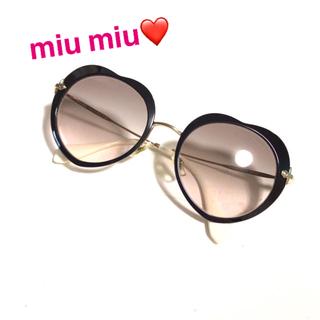 miumiu - ✨MIUMIU ミュウミュウ 大人気 ハート 型 サングラス ブラック 黒色✨
