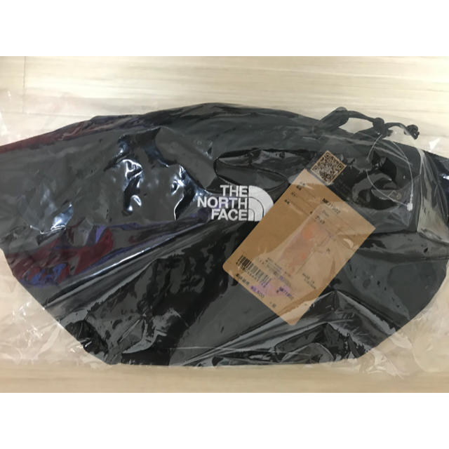 THE NORTH FACE(ザノースフェイス)の【未開封新品】ノースフェイス ボディバッグ 3L ブラック ユニセックス  メンズのバッグ(ボディーバッグ)の商品写真