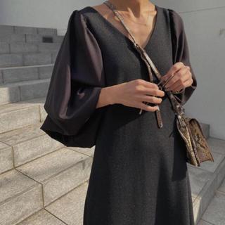 Ameri VINTAGE - AMERI Vintage CANOPY SLEEVE DRESS