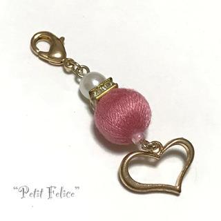 ピンクの巻き玉とオープンハートが可愛い*ファスナーチャーム マスクチャームにも!(チャーム)