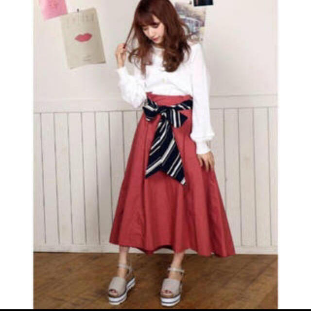 dazzlin(ダズリン)のダズリン スカート ヘムスカート レディースのスカート(ひざ丈スカート)の商品写真