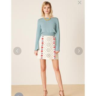 Lily Brown - リリーブラウン 刺繍花柄 カットワーク スカート