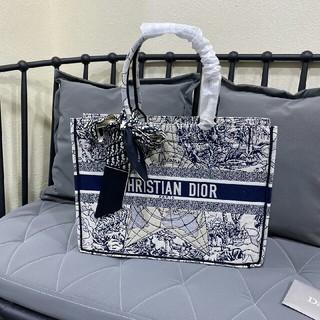 Christian Dior - christian dior ブックトート スモールサイズお買い得、大人気