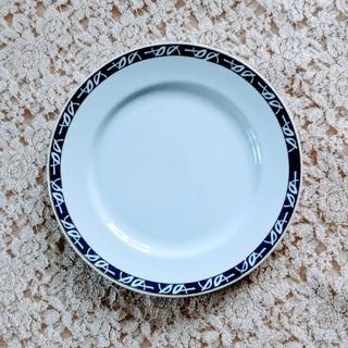 イヴサンローランボーテ(Yves Saint Laurent Beaute)のイヴ・サンローラン食器24cmプレート(食器)