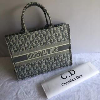 Christian Dior - クリスチャン ディオール ブック トートバッグ グレー
