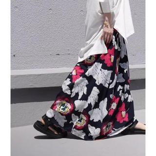 アンティカ(antiqua)の☆★☆ アンティカ レトロ花柄 ロングスカート  ネイビーベース(ロングスカート)