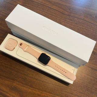 アップルウォッチ(Apple Watch)のApple Watch Series 4 ゴールド GPS 40(腕時計(デジタル))
