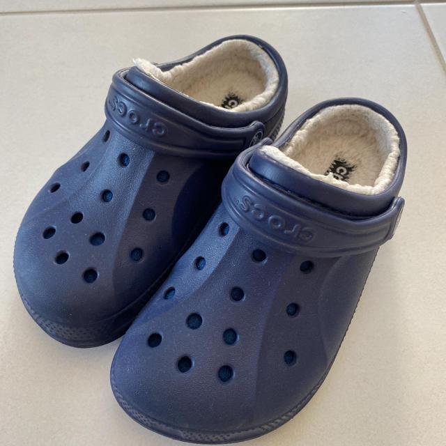 crocs(クロックス)のCROCS クロックス キッズ サンダル キッズ/ベビー/マタニティのキッズ靴/シューズ(15cm~)(サンダル)の商品写真
