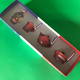 ルクルーゼ(LE CREUSET)の新品☆ルクルーゼ ミニチュア・オーナメント コレクション (4個入リ)(食器)