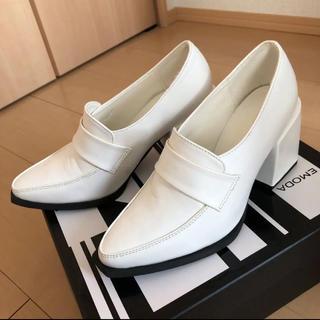 エモダ(EMODA)の新品EMODA ヒールローファー Sサイズ(ローファー/革靴)