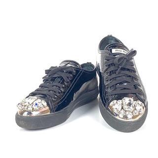 miumiu - ミュウミュウ 靴 スニーカー 5E8557 ブラック エナメル×金属 ストーン