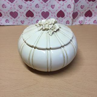 ローラアシュレイ(LAURA ASHLEY)の【未使用】ローラアシュレイ かぼちゃ 置物 小物入れ 希少 インテリア(小物入れ)