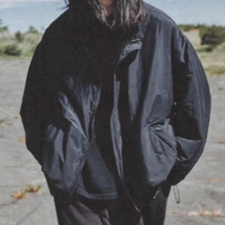 COMOLI - comoli ナイロンショートジャケット size2