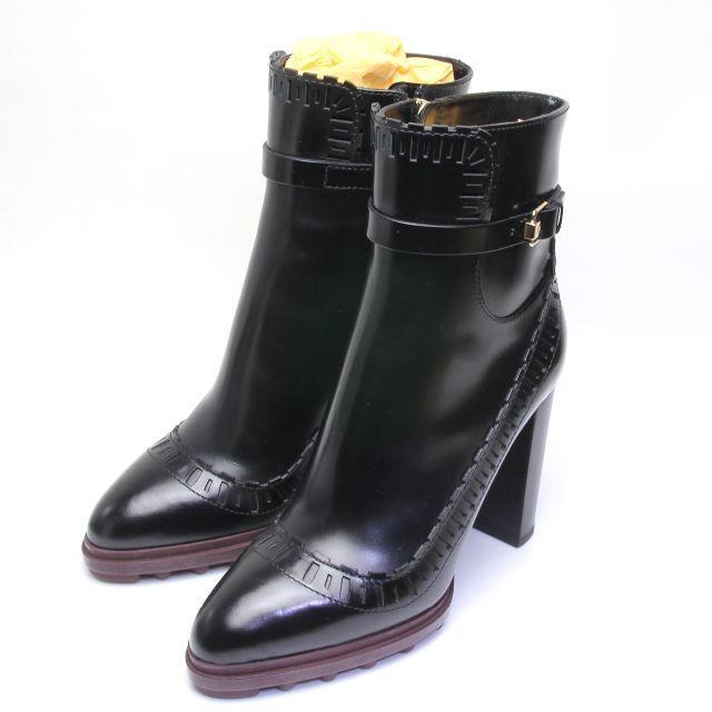 TOD'S(トッズ)の未使用 トッズ ショート アンクル ブーツ ボックスカーフ レザー TODS レディースの靴/シューズ(ブーツ)の商品写真