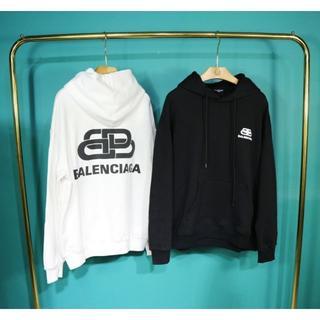 バレンシアガ(Balenciaga)の#04「2枚14000円送料込み」Balenciaga 男女兼用パーカ(パーカー)