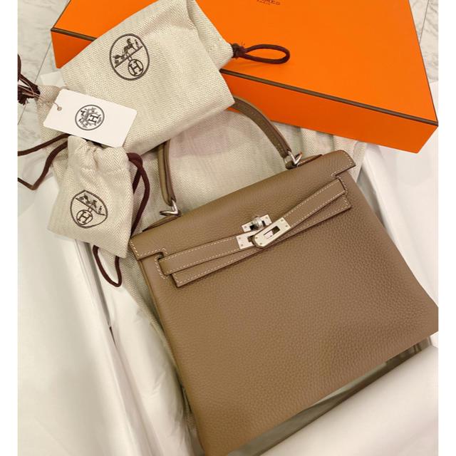 Hermes(エルメス)の【専用】1️⃣新品未使用☆HERMESケリー25 エトュープ【入手困難】 レディースのバッグ(ハンドバッグ)の商品写真