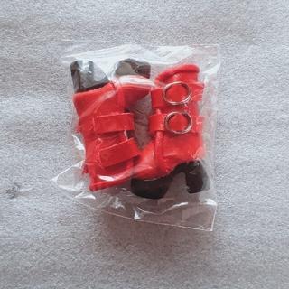 ドール 赤いブーツ(人形)