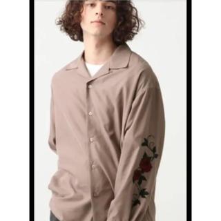 ハレ(HARE)のHARE ソデシシュウシャツ 袖刺繍(シャツ)