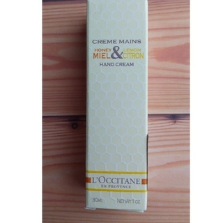ロクシタン(L'OCCITANE)の新品未使用  ロクシタンハンドクリーム  ハニーレモン(ハンドクリーム)
