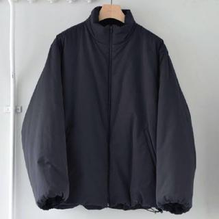 コモリ(COMOLI)の20ss インサレーションジャケット ブラック サイズ2 (ナイロンジャケット)