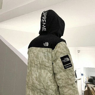 Supreme - The North Face Paper Print Nuptse Jacket