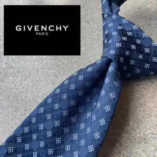 GIVENCHY - 【美品】givenchy  イタリア製最高級シルク100%ネクタイ ブルー 青系
