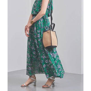 ユナイテッドアローズ(UNITED ARROWS)のユナイテッドアローズ 定価2,2万 花柄 マキシスカート(ロングスカート)