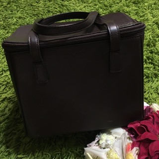 FOXEY - フォクシー イタリア製レディレザーハンドバッグ 本革型押し